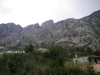 バスからの岩山1