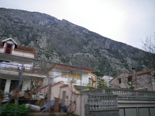 バスの岩山2